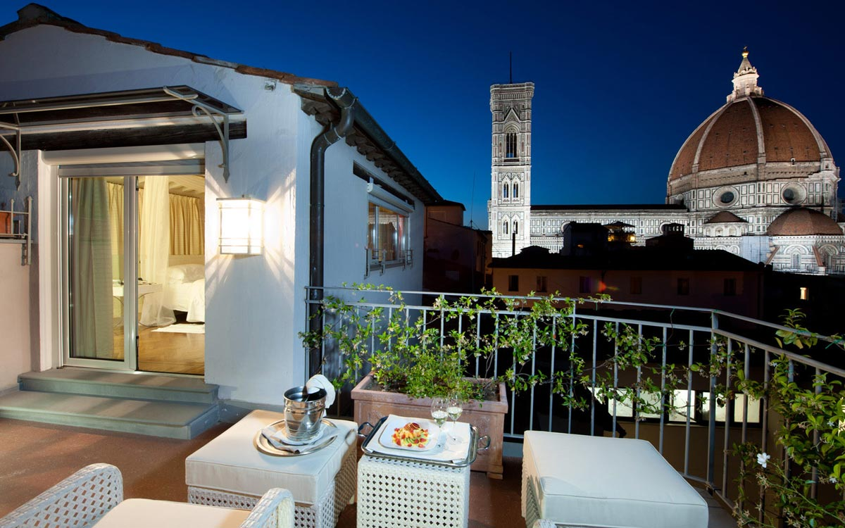 Firenze number nine hotel spa for Camere da letto firenze